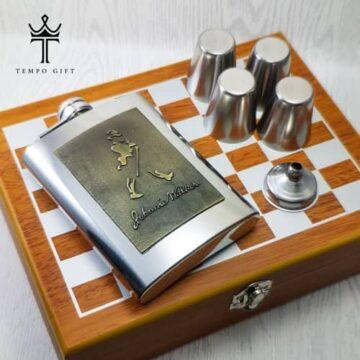 ست فلاسک شطرنج دار استیل آینه ای جانی واکر